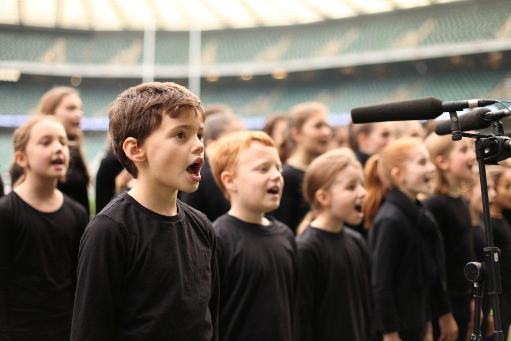 گروه کر کودکان