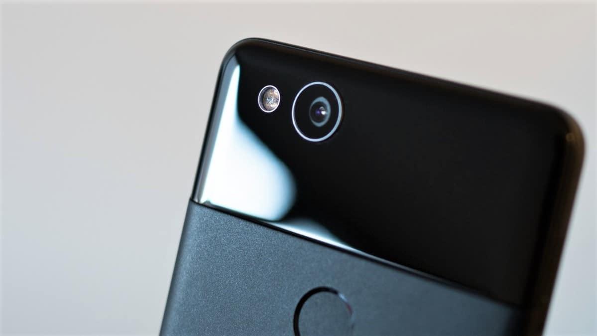 اثر انگشت بر روی لنز دوربین موبایل میتواند کیفیت دوربین را به طور قابل توجهی کاهش دهد