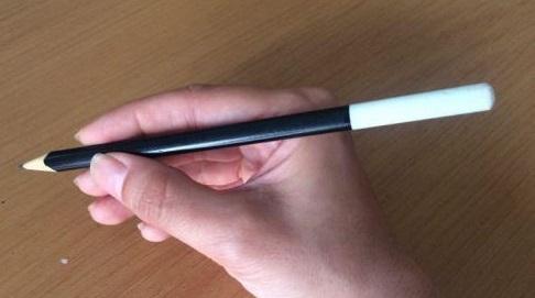 روش صحیح گرفتن قلم در خوشنویسی