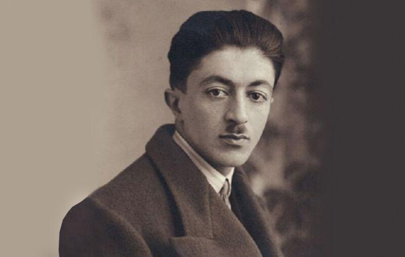 صادق هدایت نویسنده، مترجم و روشنفکر ایرانی معروف به پدر داستان نویسی نوین
